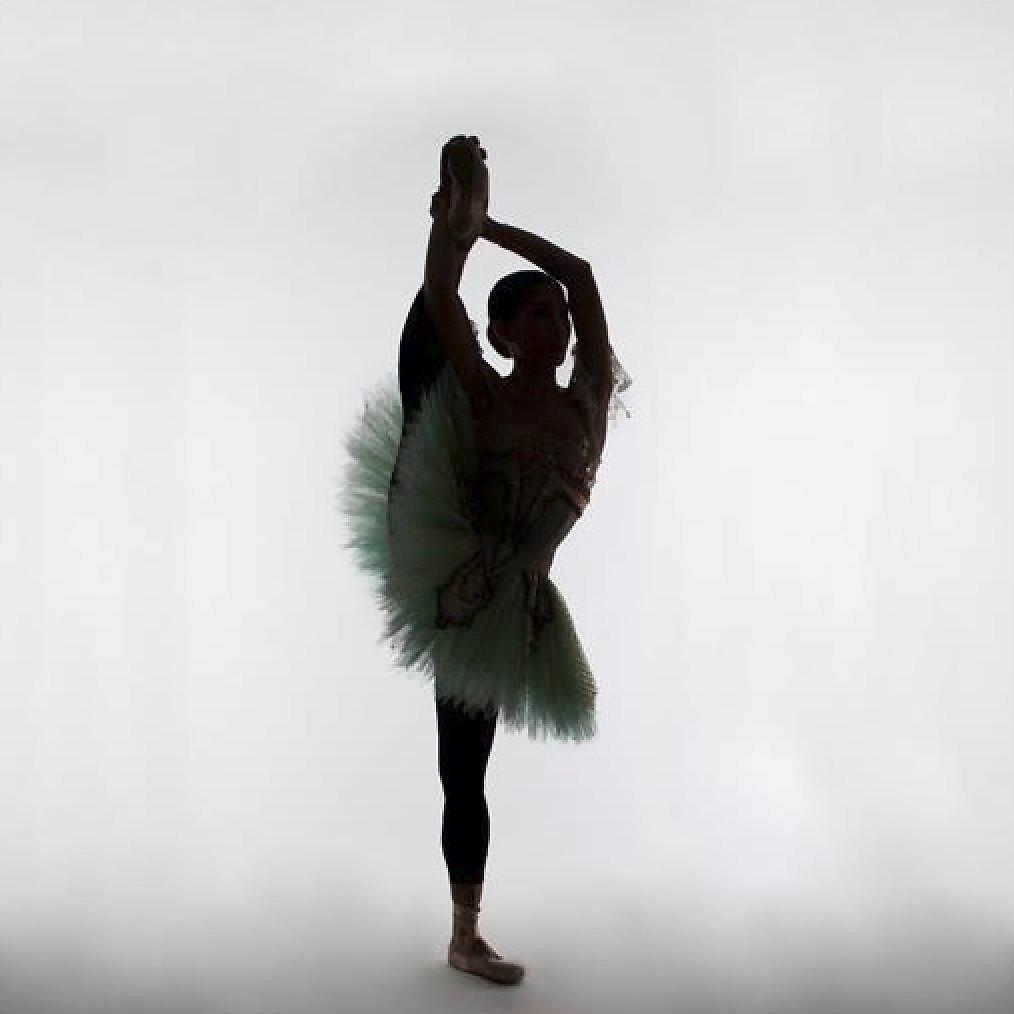 Danseuse pose